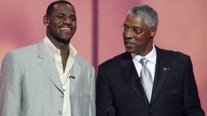 Sixers Legend Leaves LeBron James off Top-10 List for Crazy Reason