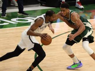 Giannis Antetokounmpo Does the Impossible to Kevin Durant