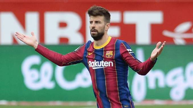 Pique Spotted Raging at Barcelona Teammates vs Valencia