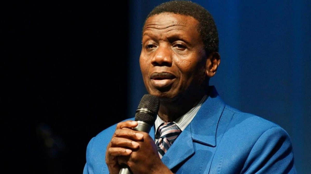 Pastor Adeboye holds Communion Service after Dare's death ...
