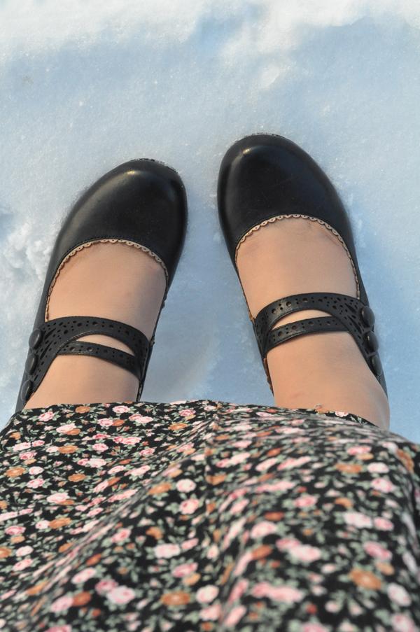 the artyologist- image of black mary jane miz mooz shoes