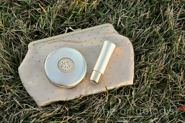 the artyologist image of vintage avon instant mocha lipstick and compact set