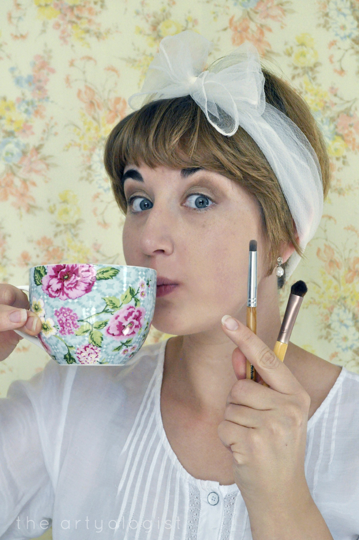 mandatory tea-time, how to create a modern 1920's makeup look, the artyologist