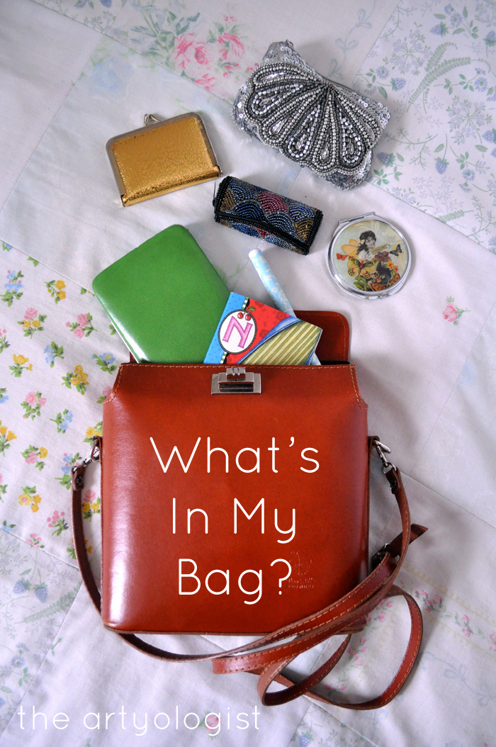 What's In My Bag, the artyologist