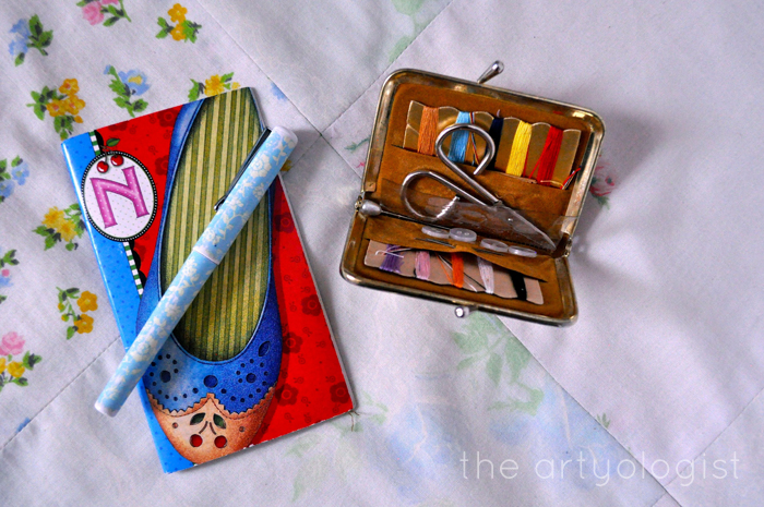 whats in my bag, mending kit and notepad, the artyologist