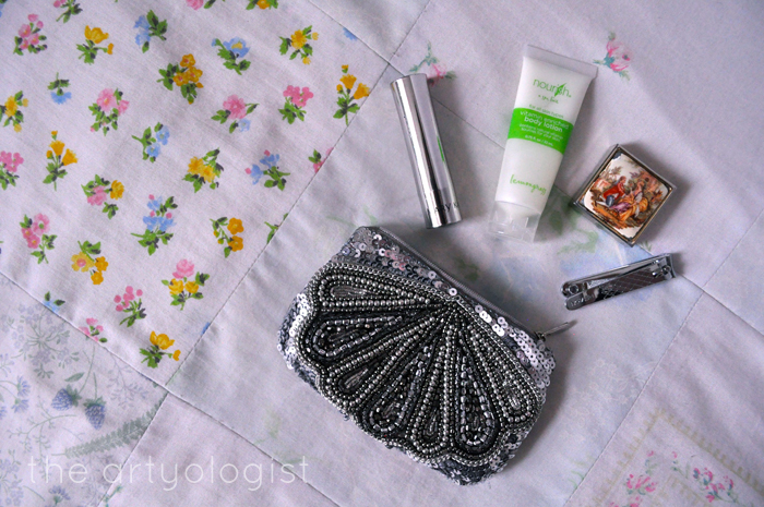 what's in my bag, toiletries, the artyologist