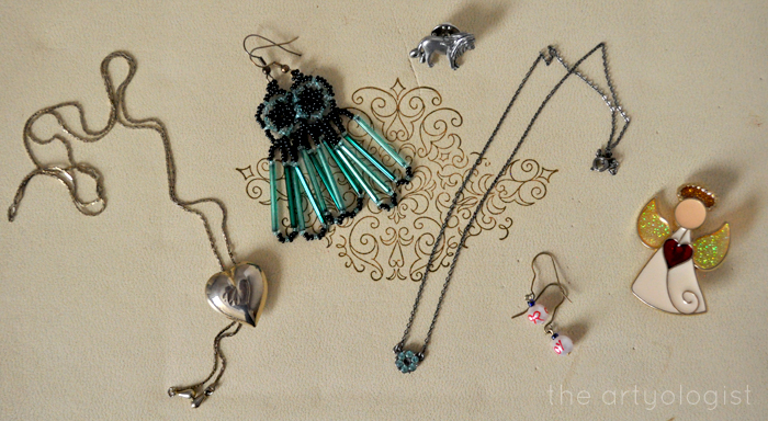 Style Resolutions: Jewellery Organizing, the artyologist, jewellery to pack away