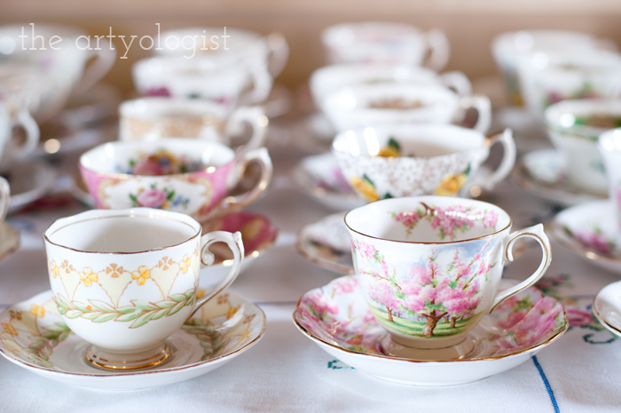 The Ladies Garden Tea (Which is not in a Garden): The Decor, teacups