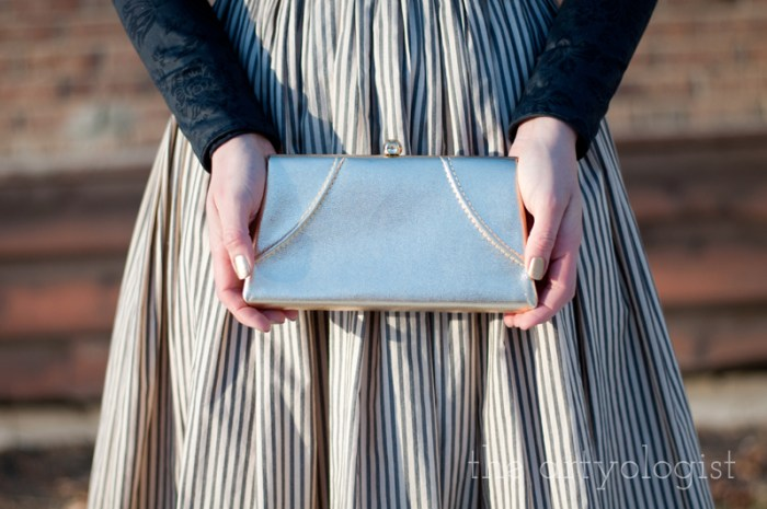 vintage gold clutch detail, the artyologist