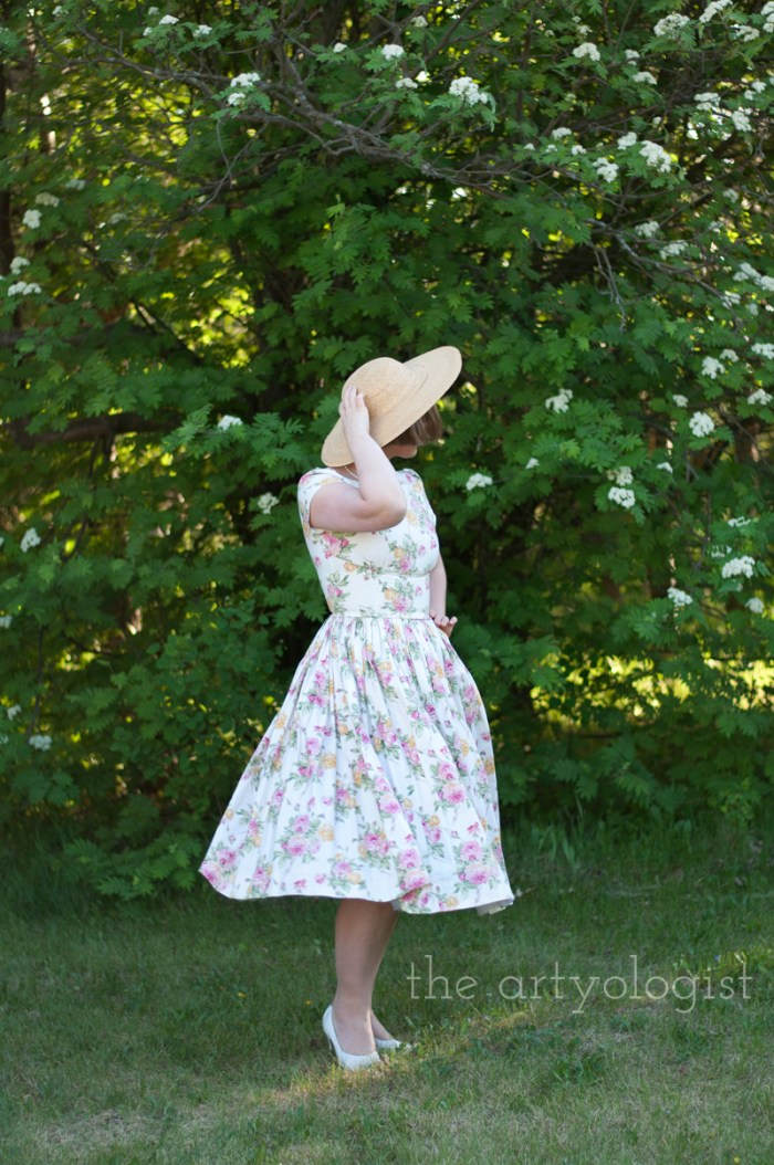 twirling, vogue 2962 pattern hack, the artyologist