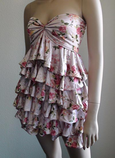 https://i1.wp.com/www.theartzoo.com/pictures/clothing/ruffle-dress-04.jpg