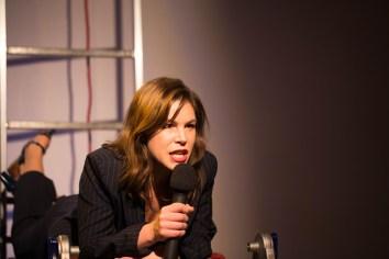 Die Moderatorin (Elisabeth Halikiopoulos)