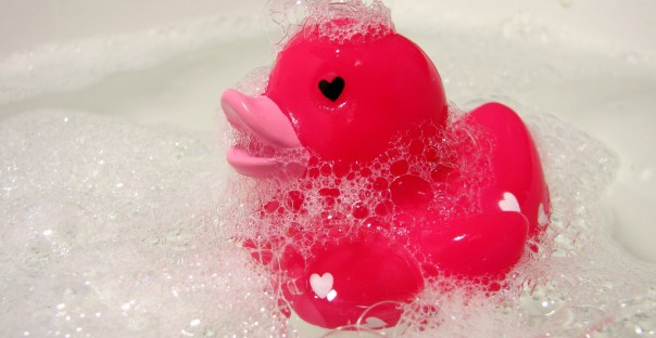 Badeend met hartjes - rubber ducky/Flickr/CC BY/cropped
