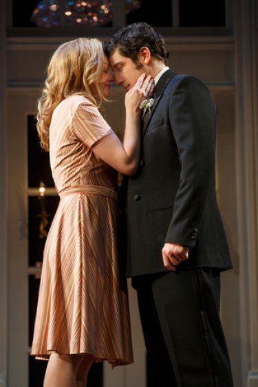 """Elisabeth Moss and Jason Biggs in a scene from """"The Heidi Chronicles"""" (Photo credit: Joan Marcus)"""