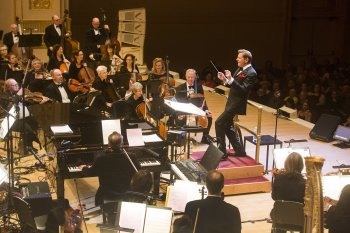 """Music director Steven Reineke and The New York Pops as they appeared in The New York Pops presents """"42nd on 57th: Broadway Today"""" (Photo credit: Richard Termine)"""