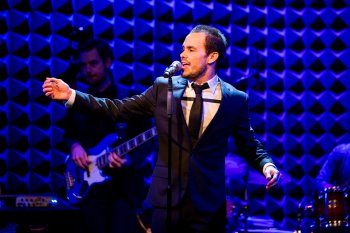 "Migguel Anggelo in ""Another Son of Venezuela"" at Joe's Pub (Photo credit: David Andrako)"