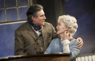 "Gabriel Byrne and Jessica Lange in a scene from ""Long Day's Journey into Night"" (Photo credit: Joan Marcus)"