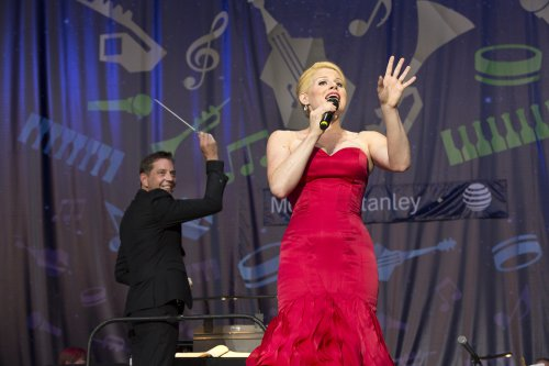 Megan Hilty with conductor Steve Reineke and The New York Pops (Photo credit: Richard Termine)