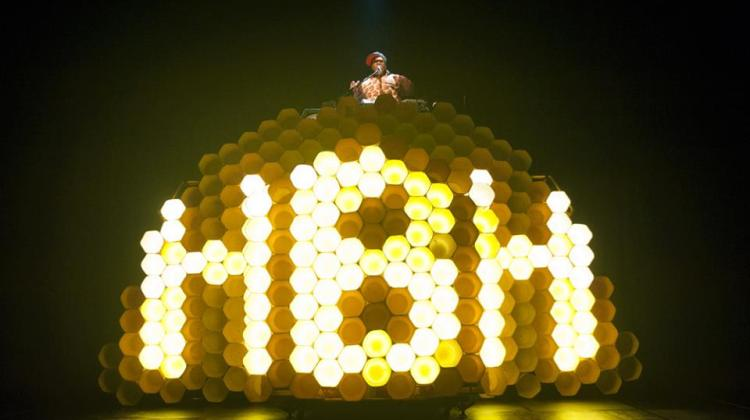 """<div class=""""category-label-review"""">Review</div><div class=""""category-label"""">/</div>EdFringe 2017 – Hot Brown Honey at Assembly Roxy"""