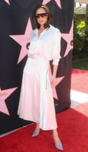 Victoria Beckham in una sua creazione alla Hollywood Walk Of Fame luncheon, Los Angeles