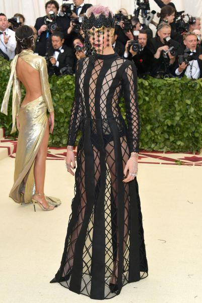 Cara Delevingne in Dior Haute Couture al Met Gala 2018
