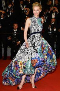 Cate Blanchett in Mary Katrantzou al Cannes FIlm Festival 2018