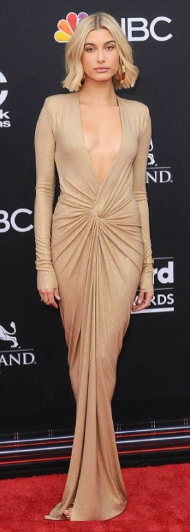 Hailey Baldwyn in Alexandre Vauthier Fall 2018ai Billboard Awards 2018