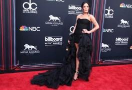 Halsey in Redemption, sandali Roger Vivier ai Billboard Awards 2018