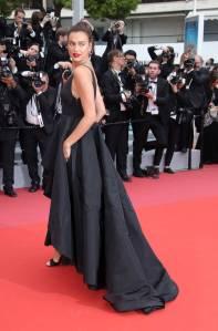 Irina Shayk in Twinset aal Cannes Film Festival 2018