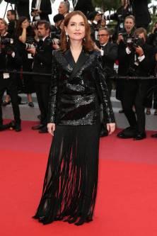 Isabelle Huppert in Saint Laurent al Cannes Film Festival