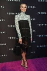 Margot Robbie in Chanel alla 'Terminal' premiere, Los Angeles