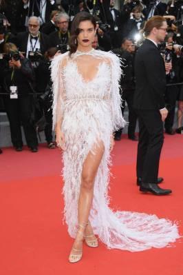 Sara Sampaio in Ralph & Russo alla 'Solo A Star Wars Story' premiere, Cannes Film Festival