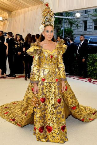Sarah Jessica Parker in Dolce and Gabbana al Met Gala 2018