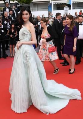 Sui He in Ralph & Russo al Cannes Film Festival 2018
