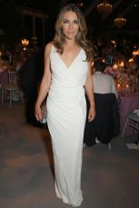 Elizabeth Hurley all'Argento Ball to benefit the Elton John AIDS Foundation, Windsor