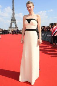 Vanessa Kirby in Prada alla premiere of Mission Impossible - Fallout, Paris