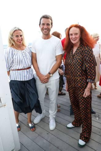 Karen Mullingan, DAvid Neville, e Grace Coddington in Louis Vuitton al Westman Atelier launch, Montauk
