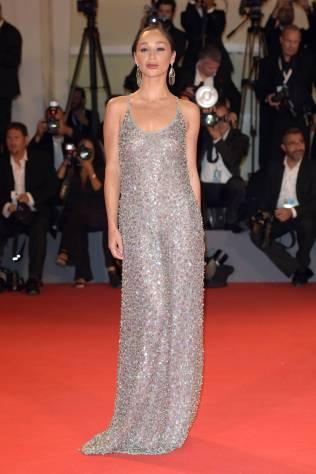 Cara Santana in Giorgio Armani al Venice Film Festival 2018