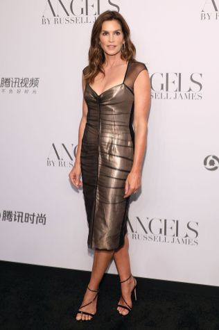 Cindy Crawford in Tom Ford al Russell James' launch of his photobook and exhibition Angels.