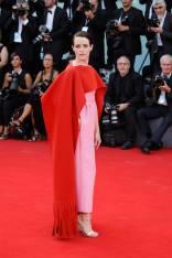 Claire Foy in Valentino al Venice Film Festival 2018