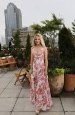 Dianne Agron all'Oscar De La Renta Fashion Show, NY