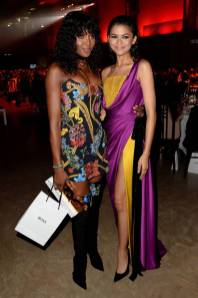 Naomi Campbell in Versace, e Zendaya in Ralph&Russo ai GQ Men of the Year Awards