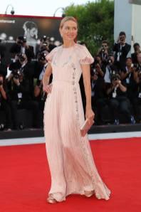Naomi Watts in Prada al Venice Film Festival 2018