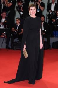 Olivia Colman in Stella McCartney al Venice Film Festival 2018