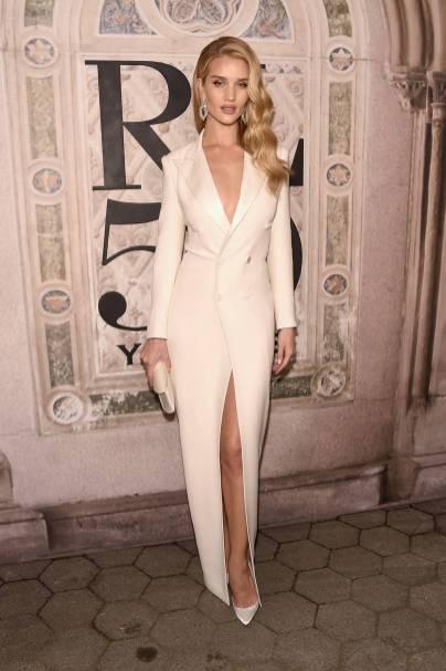 Rosie Huntington-Whiteley in Ralph Lauren al Ralph Lauren 50th Anniversary event New York Fashion Week