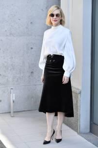 Cate Blanchett in Giorgio Armani alla Milan Fashion Week