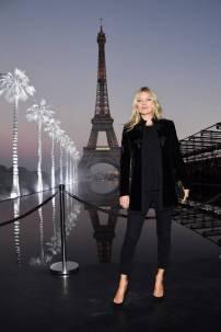 Kate Moss in Saint Laurent al Saint Laurent SS19 show, Paris Fashion Week