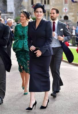 Liv Tyler in Stella McCartney e gioielli Van Cleef & Arpels al matrimonio della Principessa Eugenia di York, Windsor
