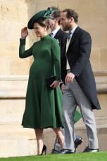 Pippa Middleton in Emilia Wickstead ed accessori Charlotte Olympia, e James Middleton al matrimonio della Principessa Eugenia di York, Windsor