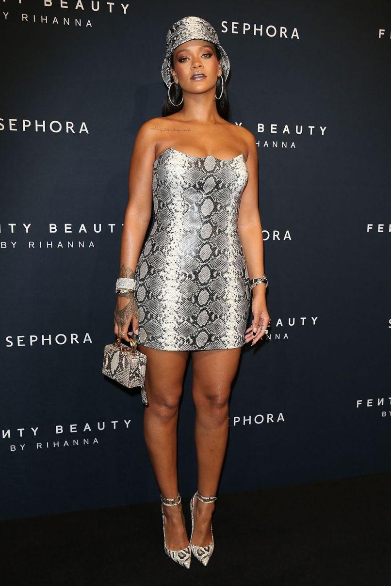 Rihanna in Versace al Fenty Beauty event, Australia.